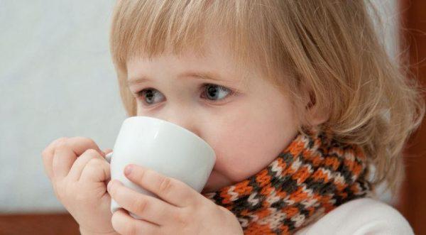 Теплый напиток успокаивает