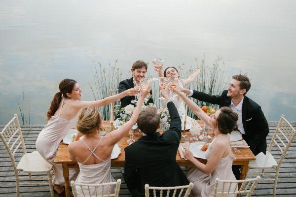 Как отметить годовщину свадьбы на природе