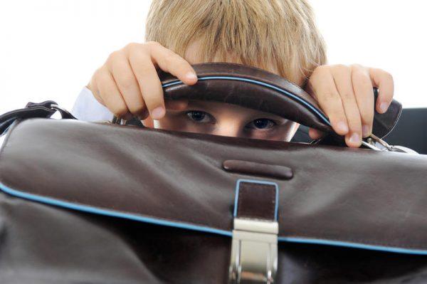Что делать: младшеклассник боится школы и не хочет идти