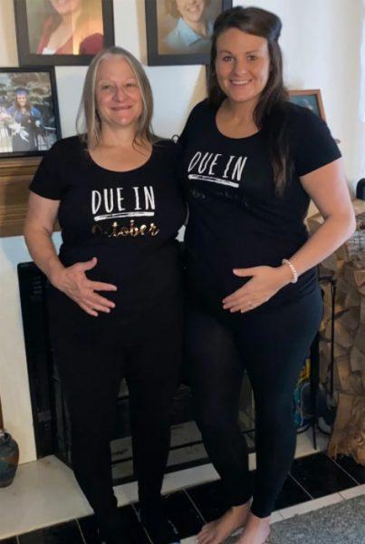 Мама и дочь беременны