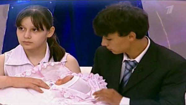 Валя Исаева на Перво канале с мужем и дочерью