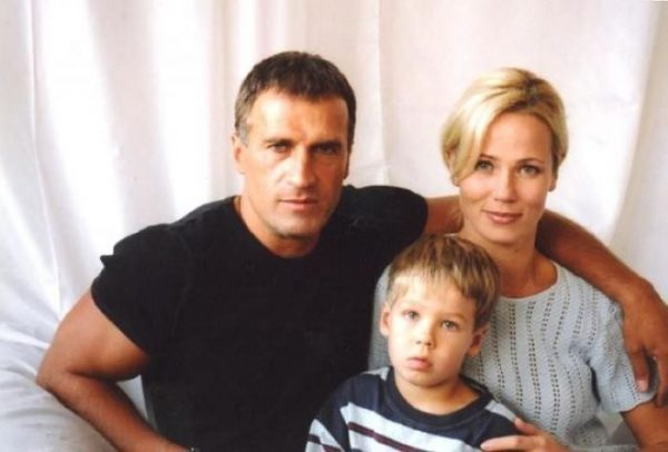 Александр Дедюшко с семьёй