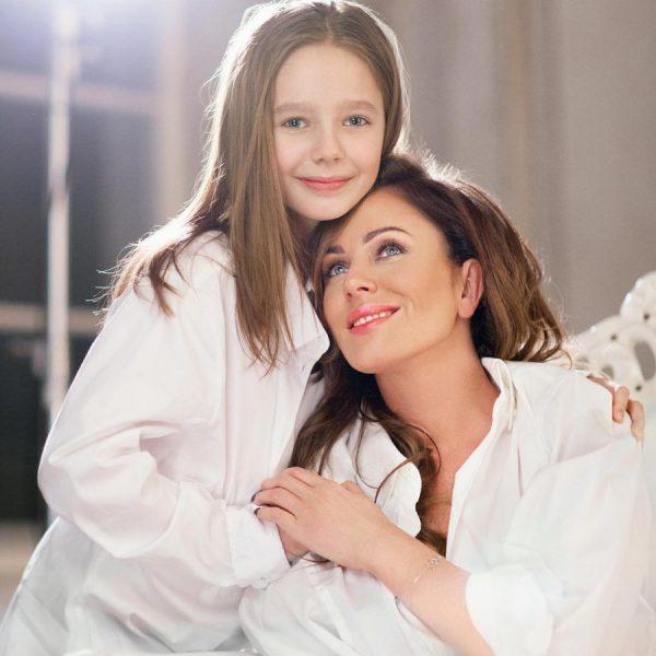 Юлия Началова с дочерью