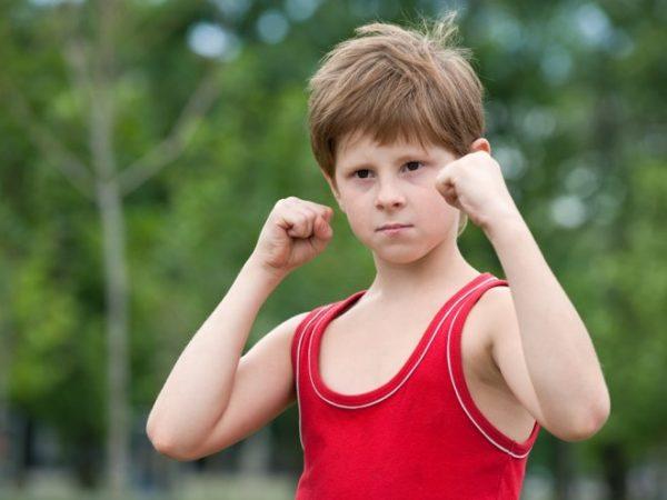 Сильный мальчик