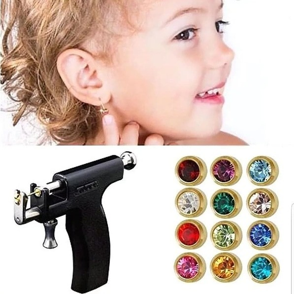 Прокол ушей пистолетом