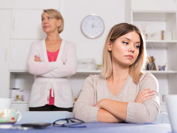 Мать и дочь в ссоре