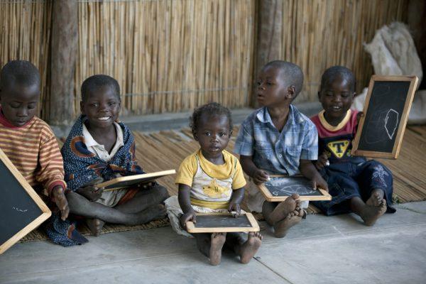 Учеба африканских детей