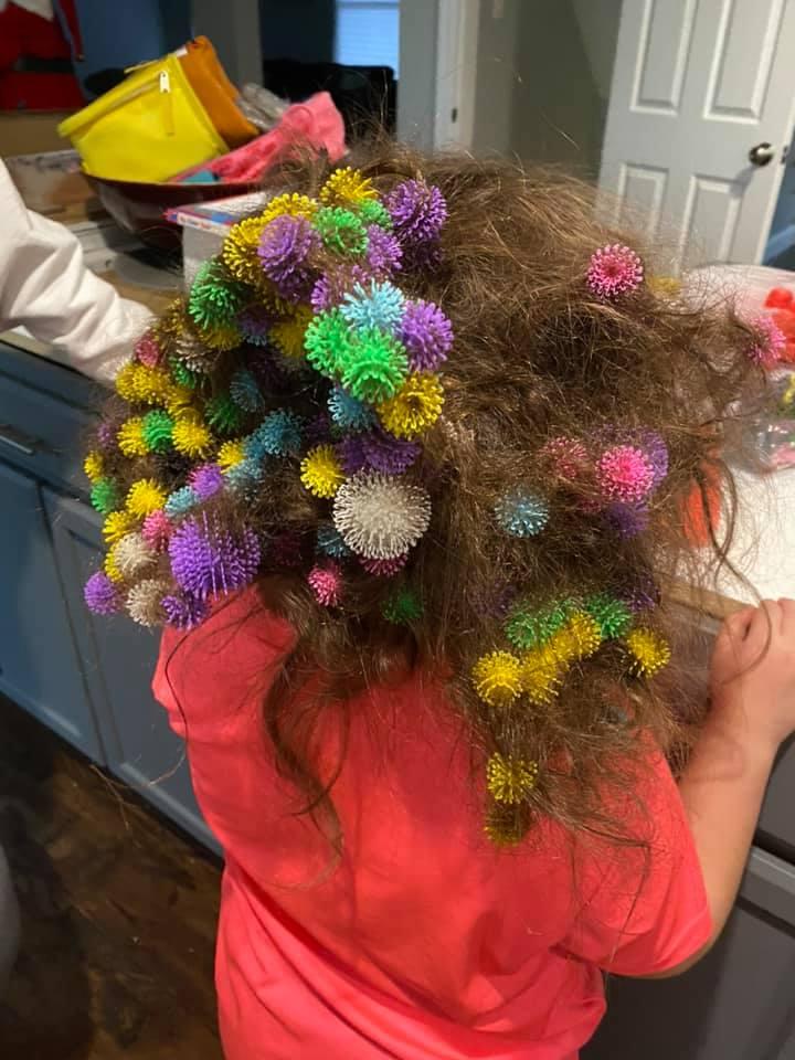 Липучки в волосах