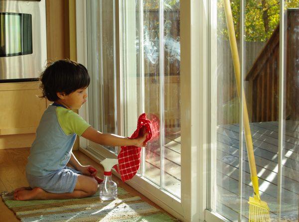моет окно