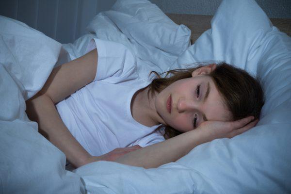 Девочка не может уснуть