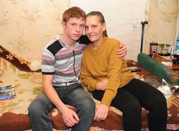 Влад Кудряшов с матерью
