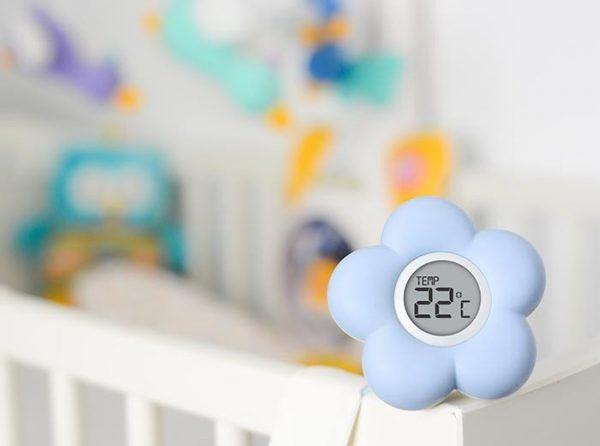 Термометр на детской кроватке