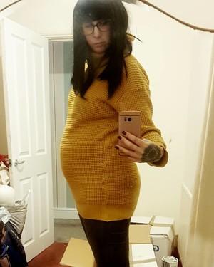 Сара во время беременности