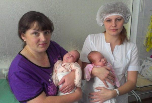 Елена Ячнева с дочерьми