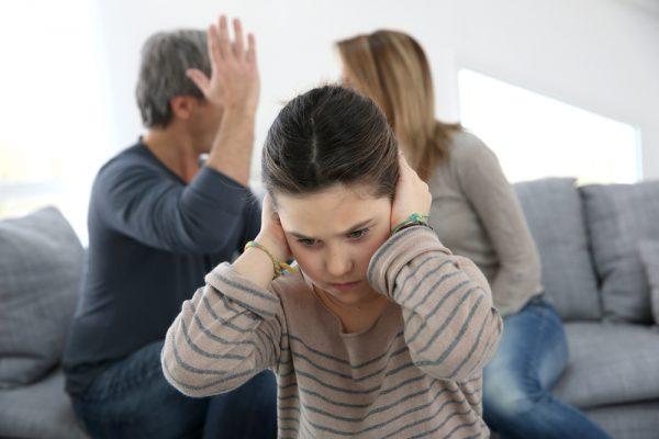 Дочь-подросток не хочет слышать ссору родителей