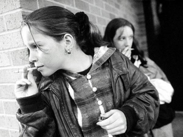 Девочки курят