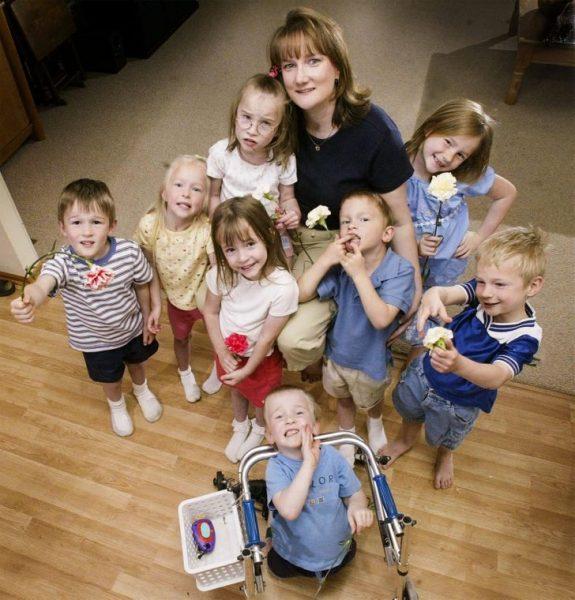 Миссис Маккоуи с детьми