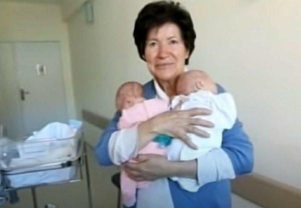 Как сейчас живёт женщина, родившая первого ребёнка в 58 лет и близнецов - в 64 года