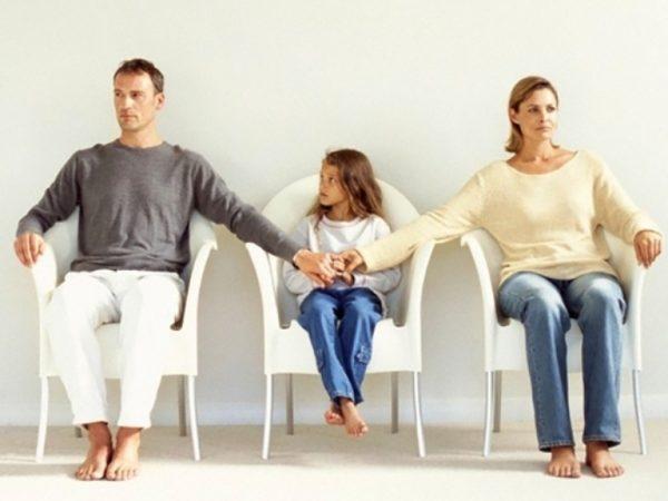 Мама, папа, дочь, развод