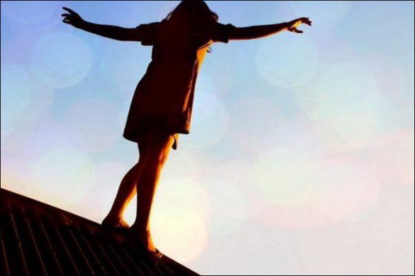 Девочка на крыше
