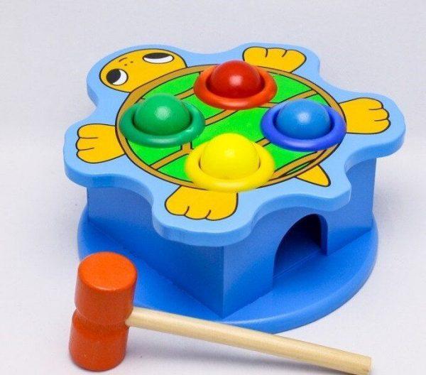 Knocker toy