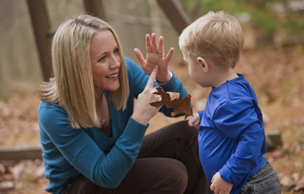 Коммуникация с ребенком. Фото outfundbel.ru