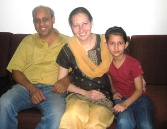 Анна, Рахул и их сын