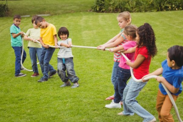 Tug of war game