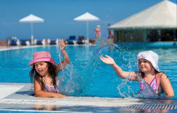 Детский бассейн на курорте