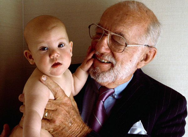 Бенджамин Спок с ребенком