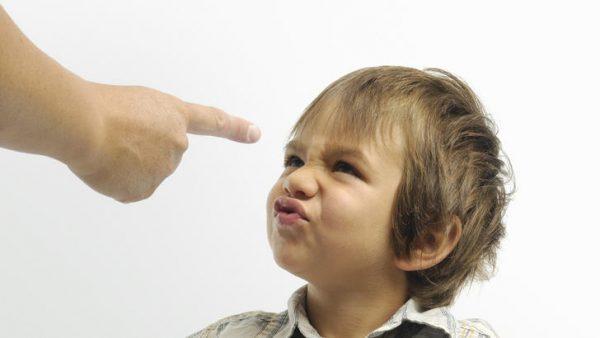 Ребенок ругается матом. Фото razumniki.ru