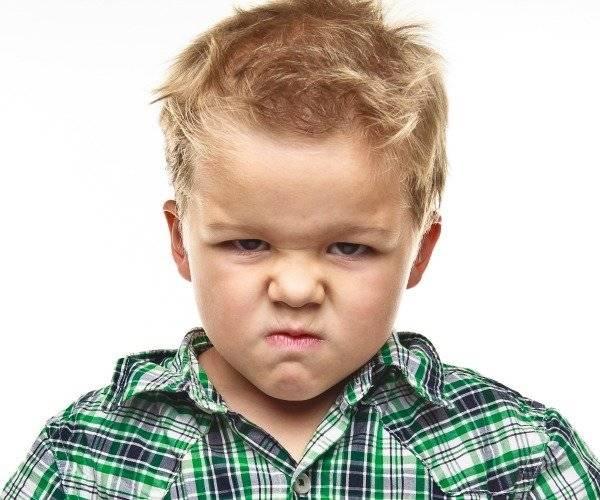 Ребенок злится. Фото ruroditel.ru