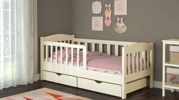 Детская комната и кроватка