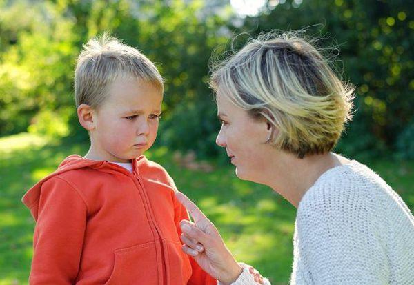 Разговор с ребенком. Фото letidor.ru