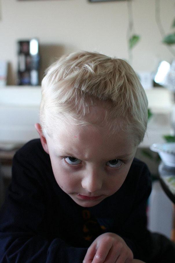 25 фото детей, которые подстригли себя сами, а родителей чуть инфаркт не хватил