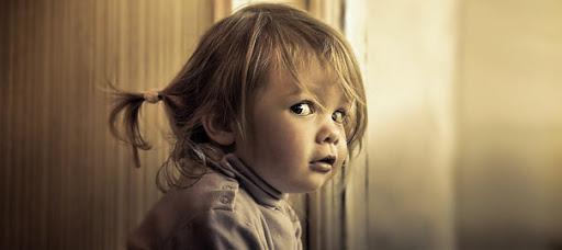 Маленький лгунишка. Фото Ребенок врет. Фото detsovetnik