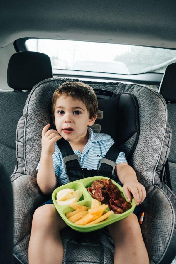 Долгие поездки с ребенком: топ аксессуаров, чтобы не сойти с ума