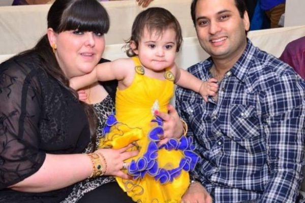 Дженнифер Малик с мужем Билли и дочерью Наоми