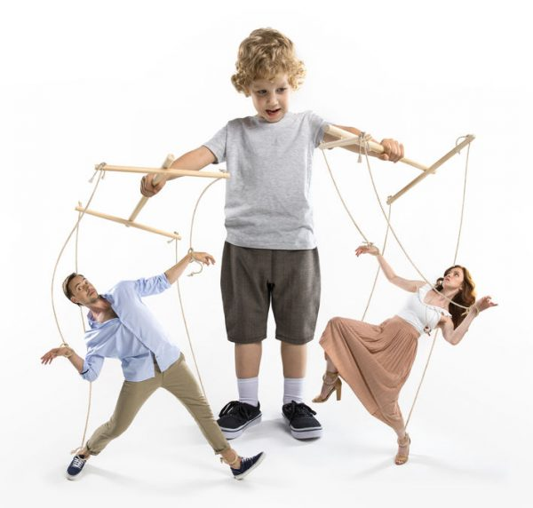 ребенок манипулятор