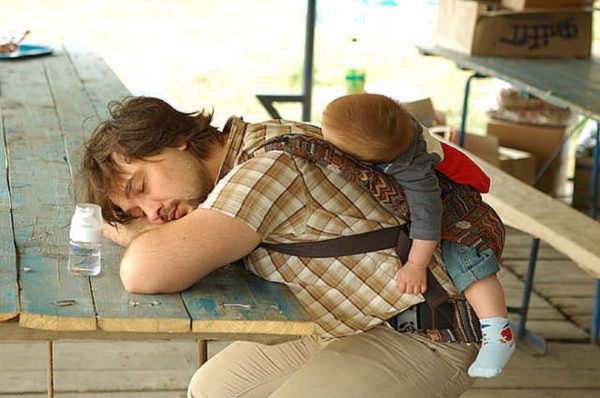 папа спит