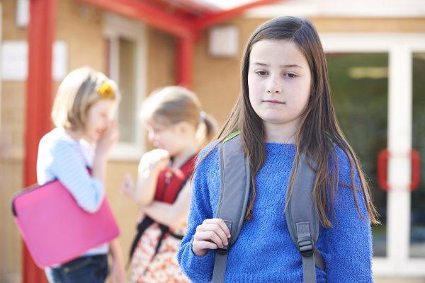 девочка в школе