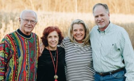 Дэнни и Карен с дочерью Джин и её мужем