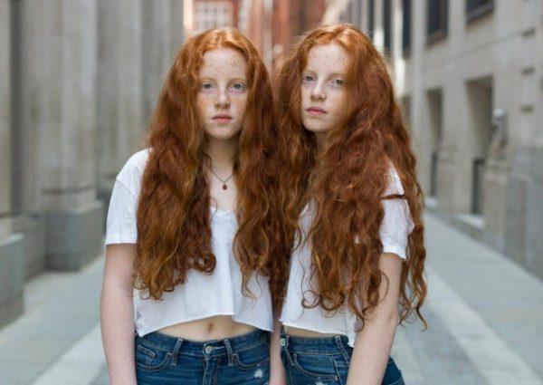 Рыжеволосые двойняшки