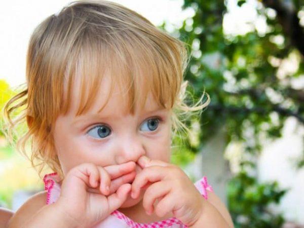 Ребёнок постоянно ковыряет в носу — это нормально? И нужно ли с этим бороться
