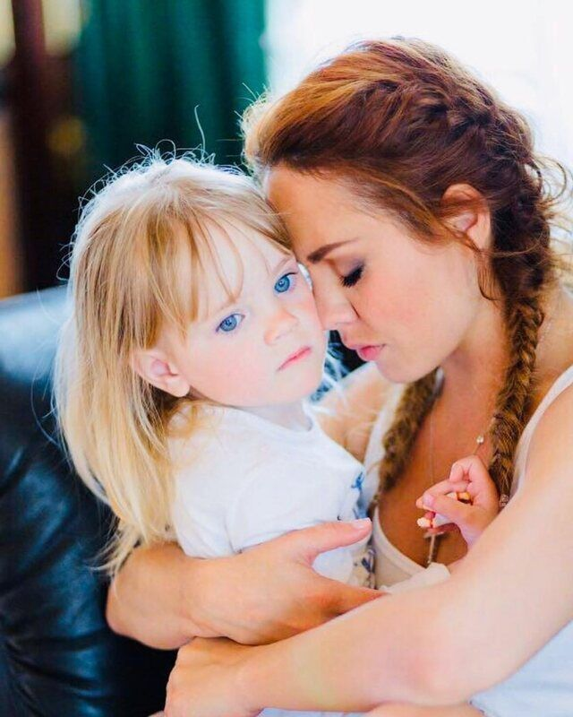 Singer Maxim with her daughter